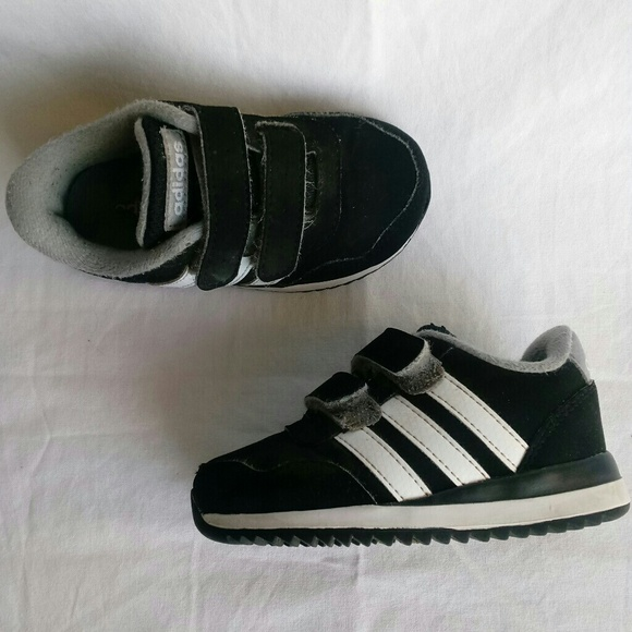 85dc05594 adidas Shoes | Size 5k Walking Three Stripe Life | Poshmark